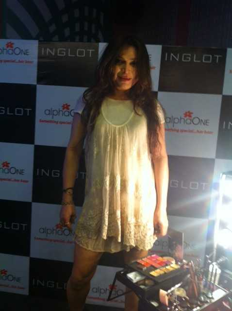 Celebrity make up artist -Ojas Rajani