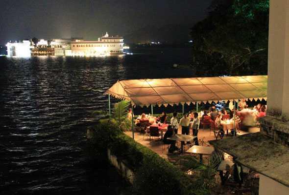 ambrai amethaveliudaipur - 5 Must Visit Eateries in Udaipur