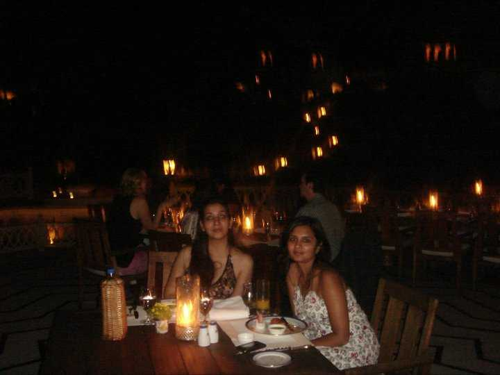 Chandni @ Oberoi Udai Vilas with my gorgeous friend Sapna Jain. Phone cameras can never do justice!