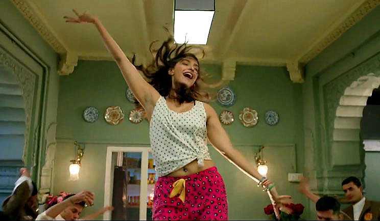 song khoob rediff - Sonam: Khoobsurat Really? (I guess they meant Fawad Khan :) )