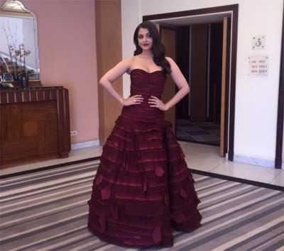 Aishwarya Oscar de la - Cannes 2015 Red Carpet Round up- Bollywood Special