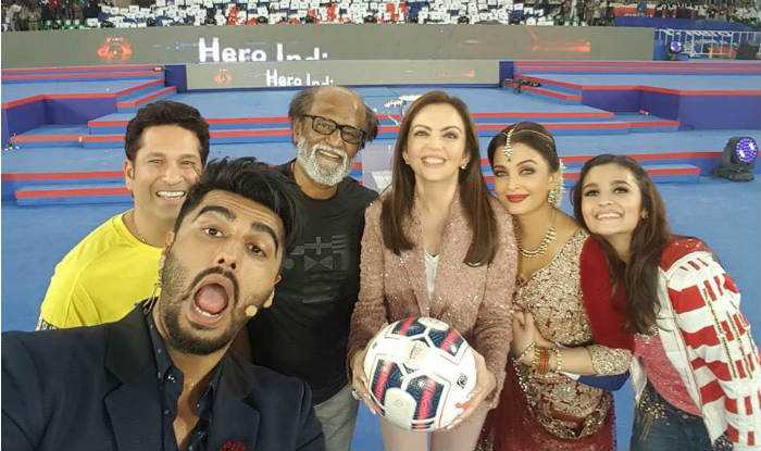 ISl2015 opening story1 - Tips for The Perfect Selfie!