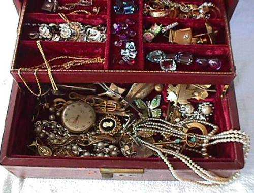 JewelryBox Large 500x380 - The jewelry story