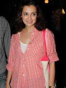 checkered shirt dia mirza 225x300 - Plaids Bollywood style!!