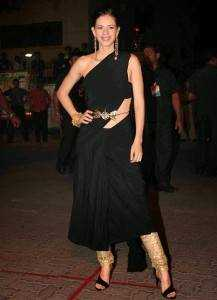 kalki dress filmfare awards 2015 217x300 - Bollywood's best dressed in 2015!!