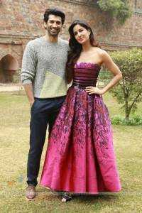 391750-aditya-roy-kapur-katrina-kaif-at-lodhi-gardens-for-promotions-o