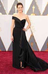 """jennifer garner 02e69895 cd4d 44a3 b918 8c4e045ec73e 195x300 - The """"who wore what"""" of Oscars 2016"""