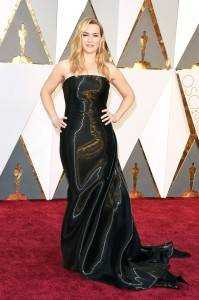 """kate winslet 76cbd38f 26b7 4fdd 9064 e48fcda3a4b5 199x300 - The """"who wore what"""" of Oscars 2016"""