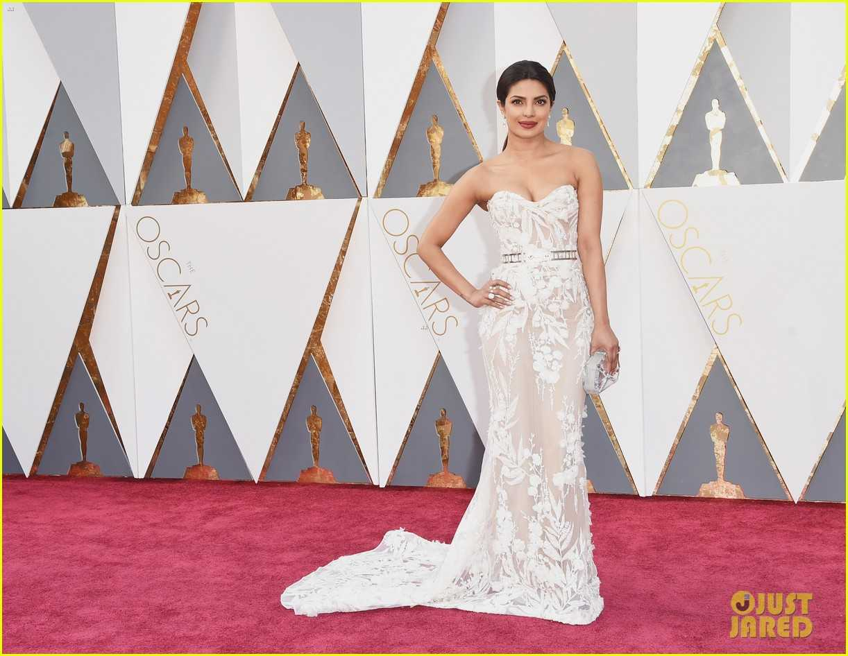 "priyanka chopra 2016 oscars red carpet 03 - The ""who wore what"" of Oscars 2016"