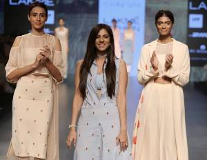 Nishka-Lulla-at-Lakme-Fashion-Week-Summer-Resort-2016-9