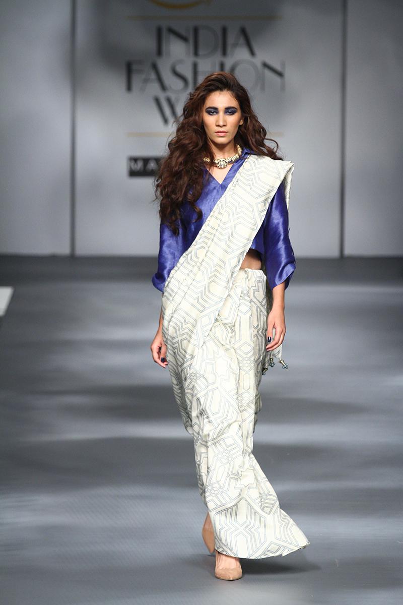 AIFWAW17D1S6SARI 24 7Runway019 - The saree edition at the Amazon India Fashion Week
