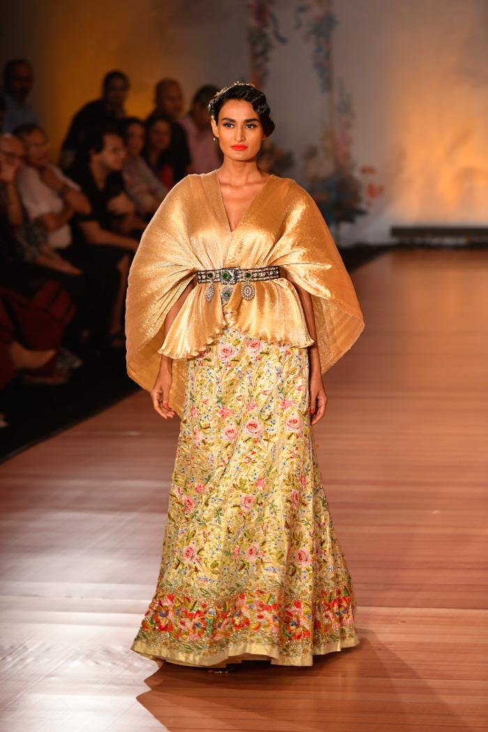ICW18D2S1PallaviJaikishanRunway015 - India Couture Week Part-II