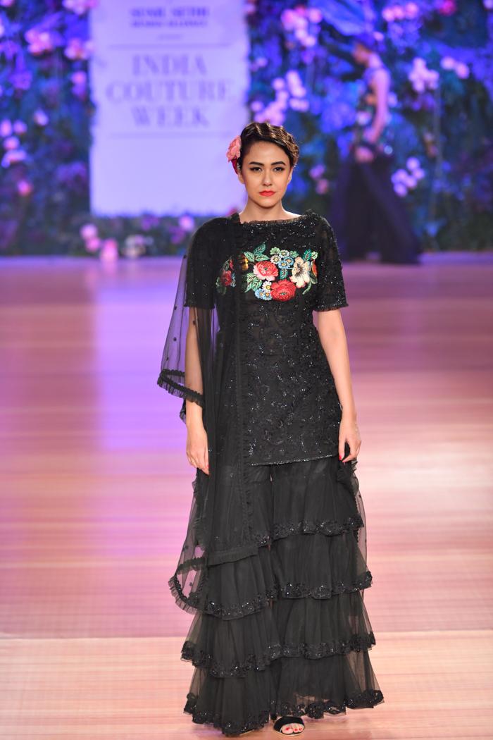 ICW18D2S1PallaviJaikishanRunway061 - India Couture Week Part-II