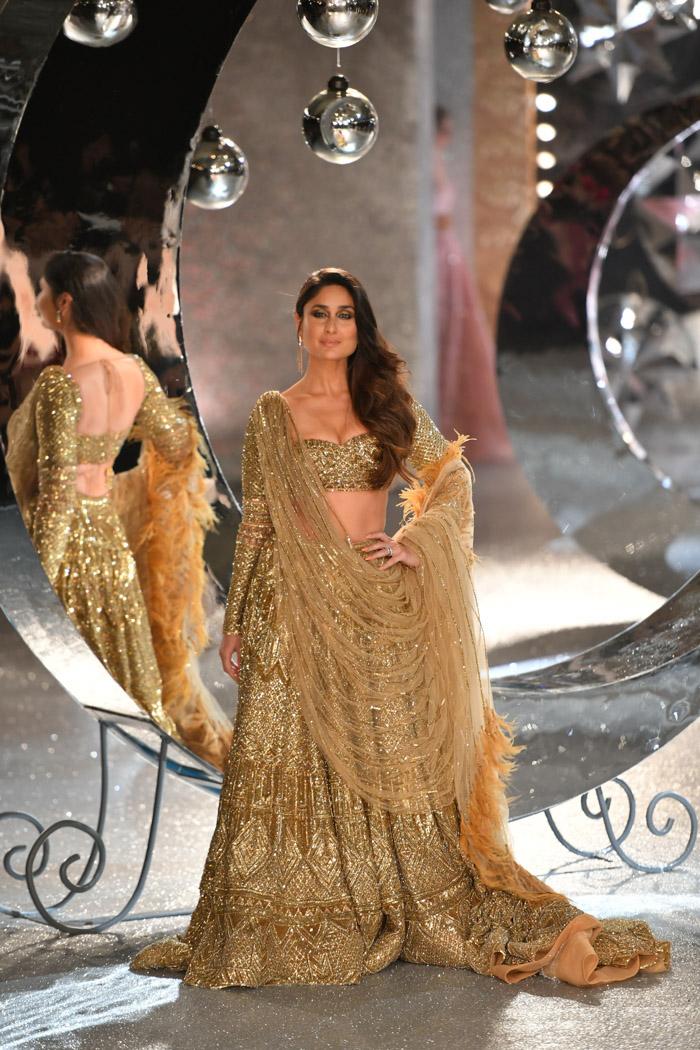 ICW18D2S2FalguniShanePeacockRunway194 - India Couture Week Part-II