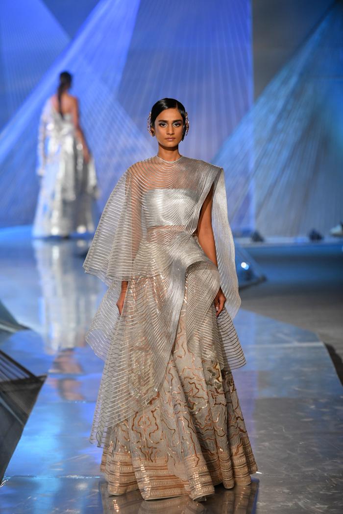 ICW18D3S1AmitAggarwalRunway05 - India Couture Week Part-II