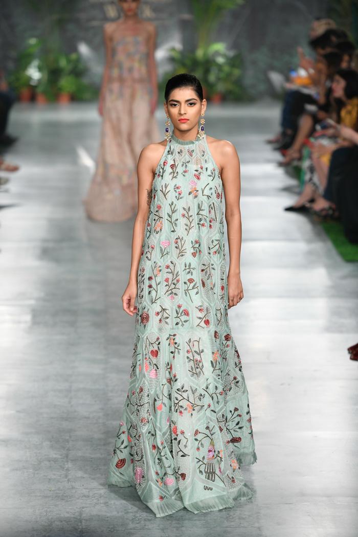 ICW18D4S2RahulMishraRunway025 - India Couture Week Part-II