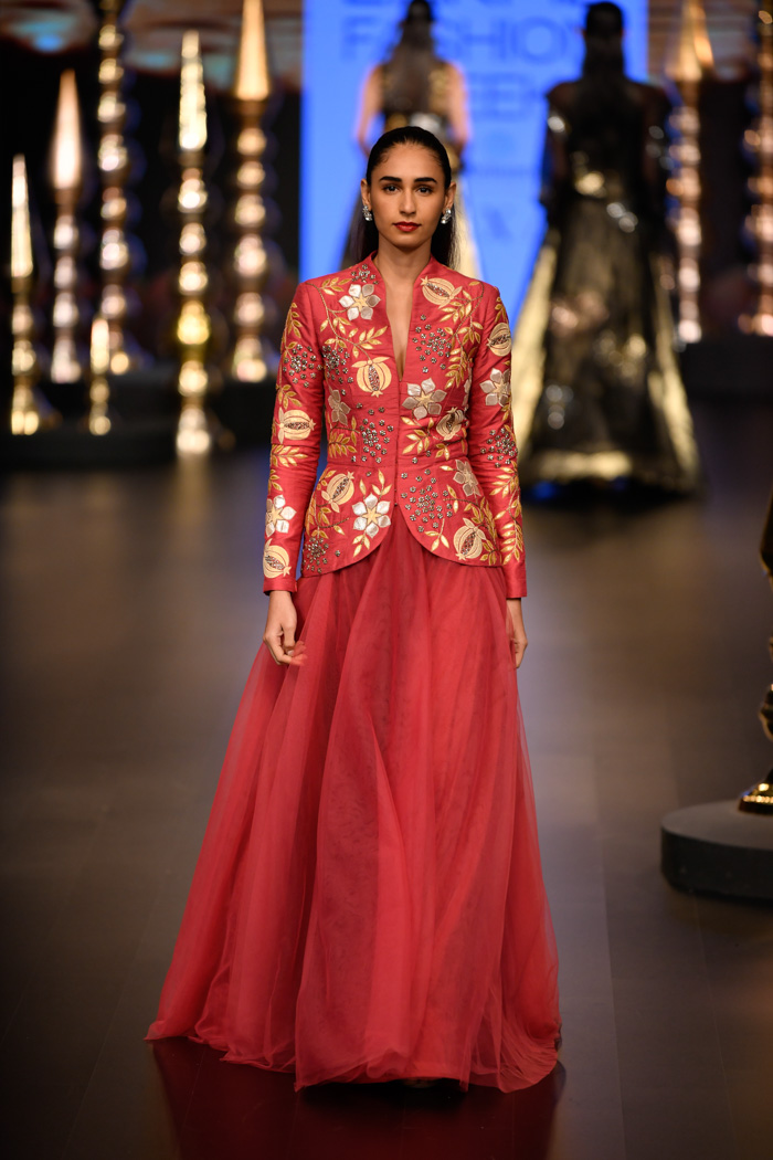 LFWWF18D3S7NachiketBarveRunway039 - Lakme Fashion Week- Part-I