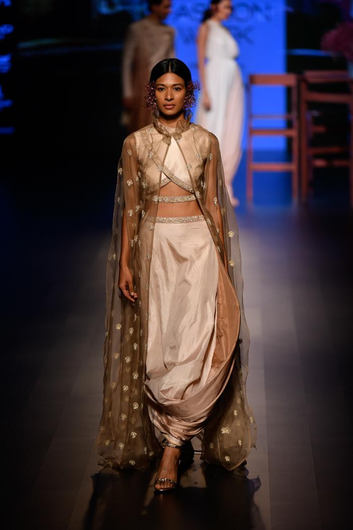 LFWWF18D4S2bSonamAndParasModiRunway004 - Lakme Fashion Week Part-II