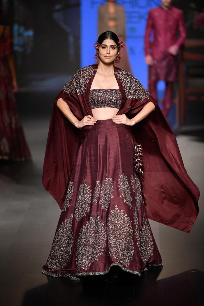 LFWWF18D4S2bSonamAndParasModiRunway049 - Lakme Fashion Week Part-II