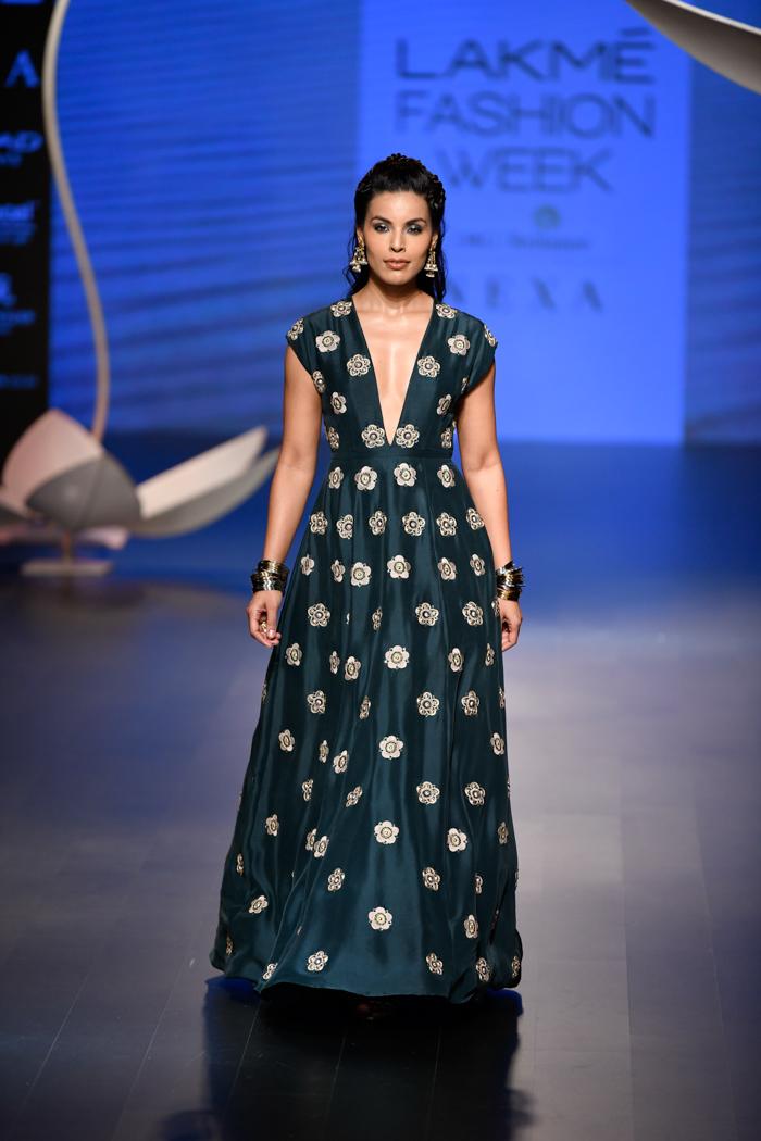 LFWWF18D4S4PayalSinghalRunway045 - Lakme Fashion Week Part-II