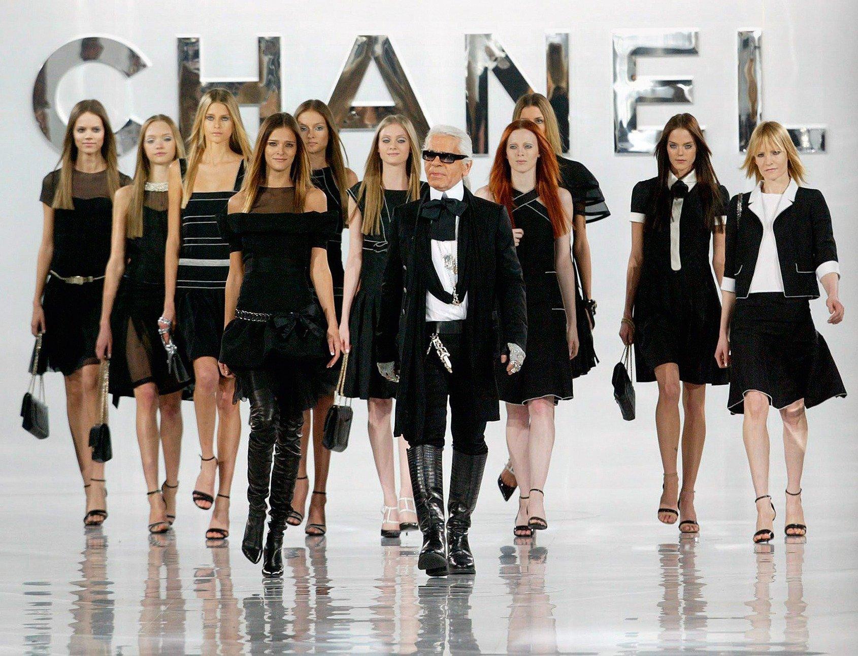 294 Lagerfeld 1 - Karl Lagerfeld- the designer who reinvented luxury fashion!