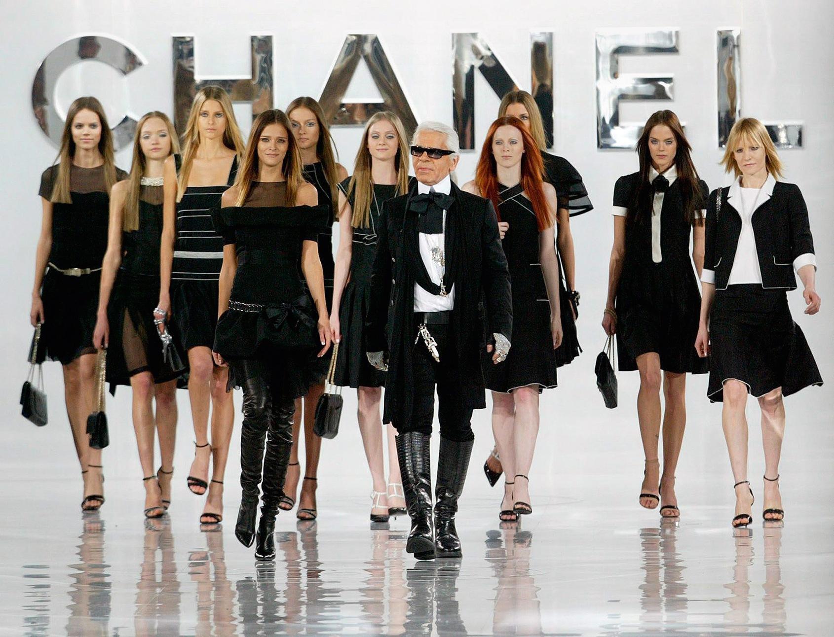 294 Lagerfeld - France - Ready-to-Wear Autumn/Winter 2005-2006 - Designer Karl Lagerfeld
