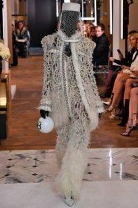 balmain couture ss19 3 1548331915 200x300 - balmain-couture-ss19-3-1548331915