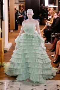 balmain couture ss19 6 1548331913 200x300 - balmain-couture-ss19-6-1548331913