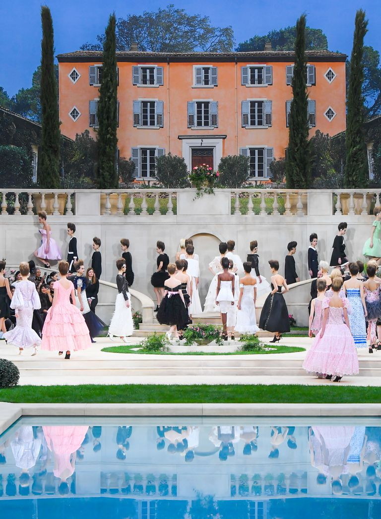 chanel couture ss19 1 1548240917 2 - chanel-couture-ss19-1-1548240917
