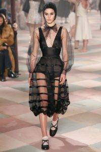 dior couture aw19 5 1548088157 200x300 - dior-couture-aw19-5-1548088157
