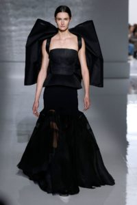 givenchy couture ss19 1 1548240921 1 200x300 - givenchy-couture-ss19-1-1548240921