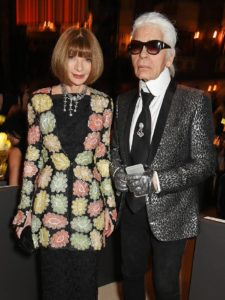 karl lagerfeld gave this incredible gift to anna wintour 1575832 1448656257.750x0c 225x300 - karl-lagerfeld-gave-this-incredible-gift-to-anna-wintour-1575832-1448656257.750x0c