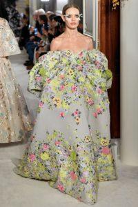 valentino couture ss19 2 1548331918 1 200x300 - valentino-couture-ss19-2-1548331918