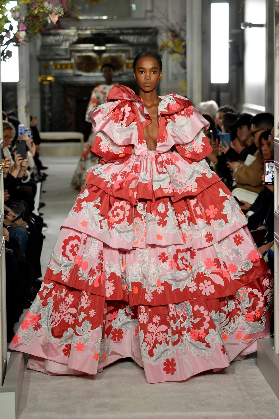 valentino couture ss19 5 1548331919 2 - valentino-couture-ss19-5-1548331919