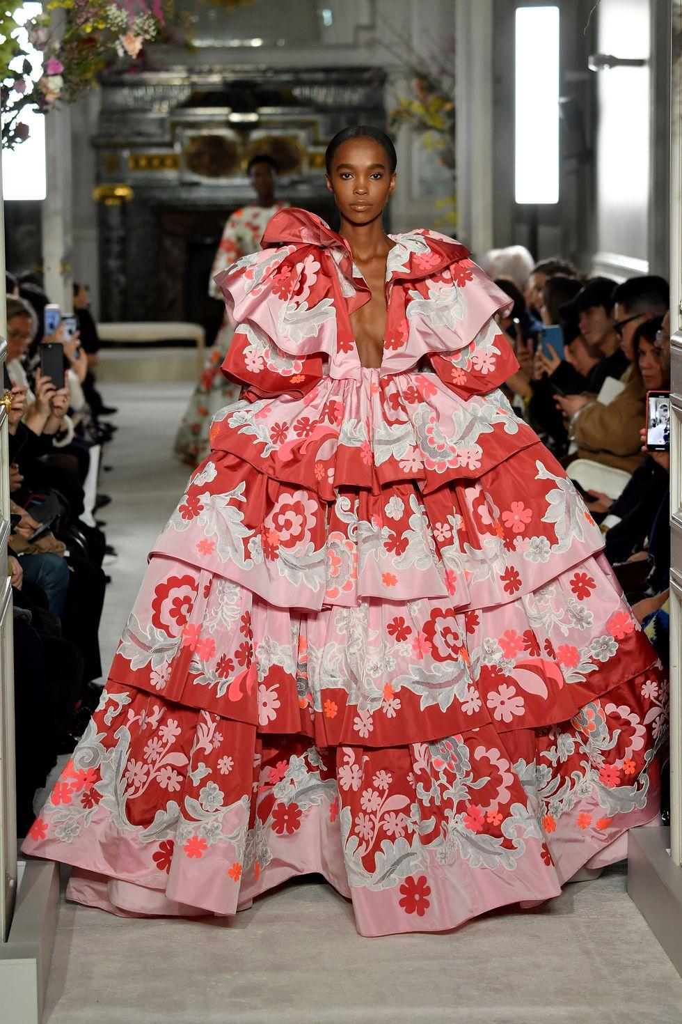 valentino couture ss19 5 1548331919 5 - valentino-couture-ss19-5-1548331919